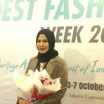 Busana Kerja Fashion Muslimah Klasik Modern dan Sentuhan Batik Cirebon Nina Nugroho